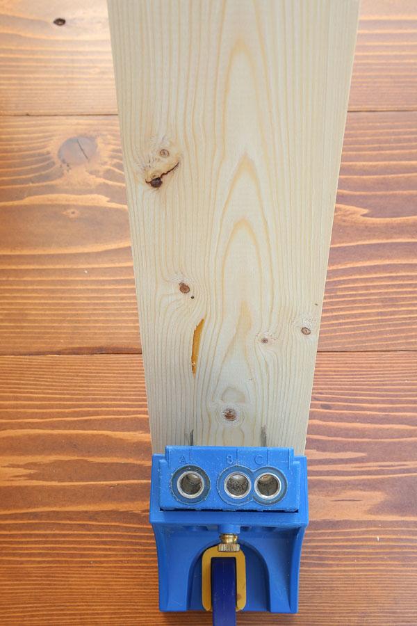 Line up wood on Kreg Jig