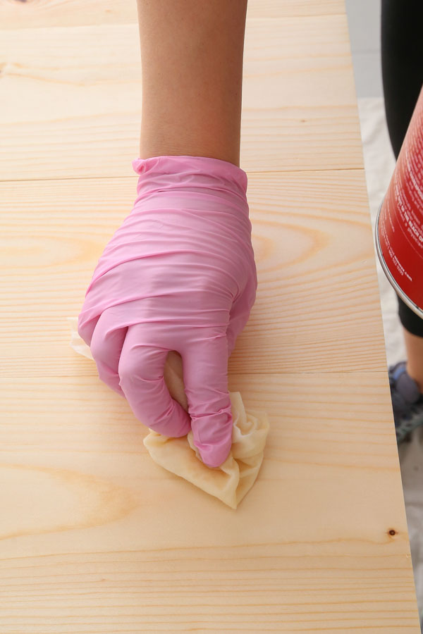 how to prep wood for stain and apply wood conditioner