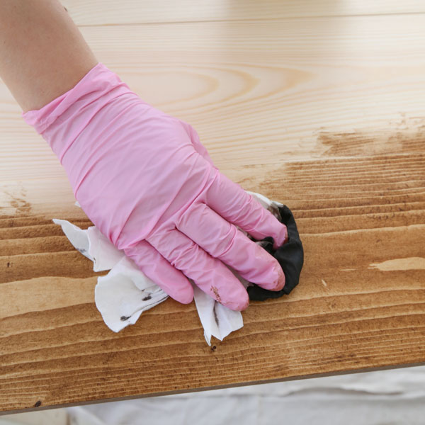 how to apply wood stain with a lint free rag into grain of wood