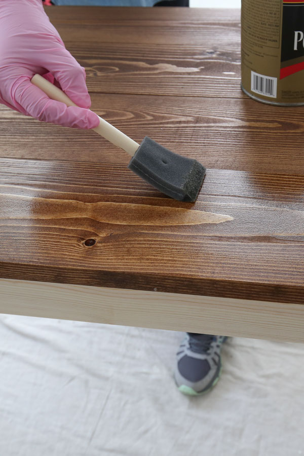 how to apply polyurethane to wood with a foam brush