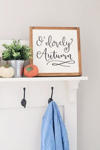 Fall Entryway Farmhouse Decor
