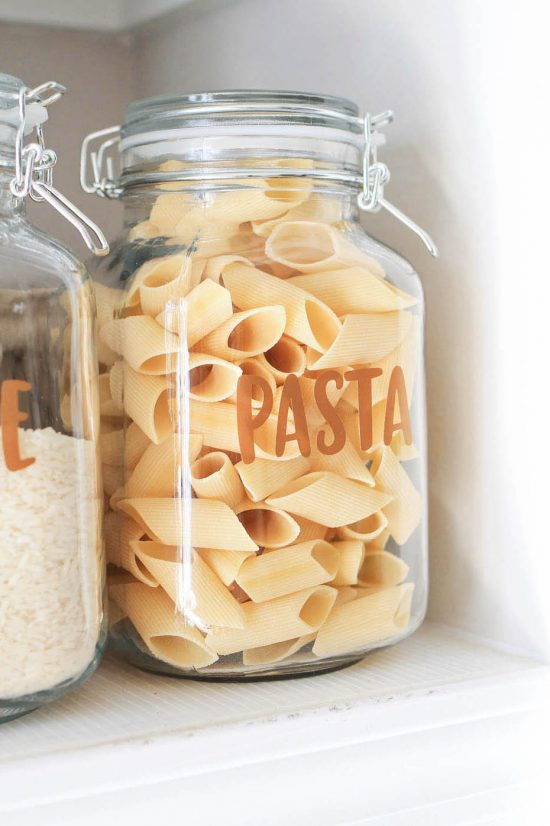 diy pantry label on jar of pasta