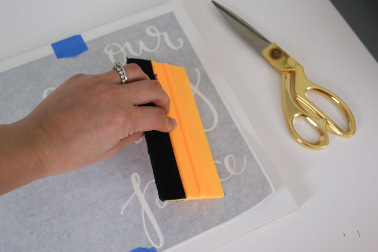 apply vinyl stencil to wood sign