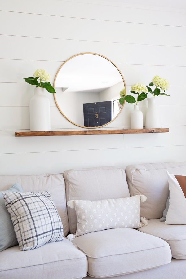 Easy DIY floating shelf with brackets