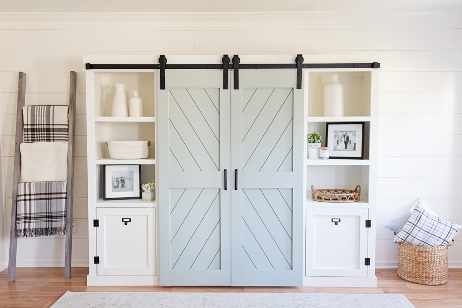 DIY barn doors for a barn door entertainment center DIY