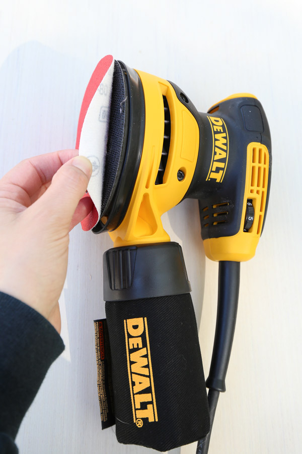 Dewalt orbital palm sander with peel and stick sandpaper disc