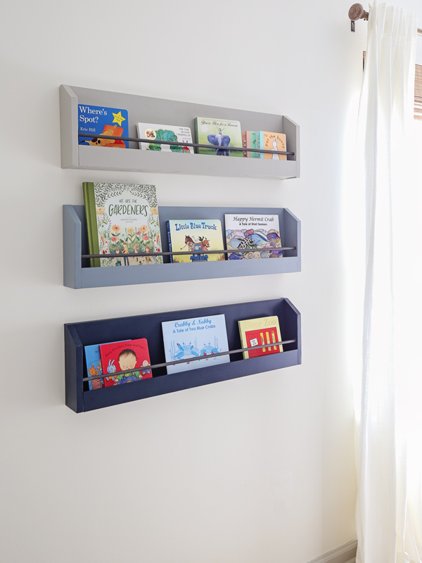 DIY floating bookshelves in kids room