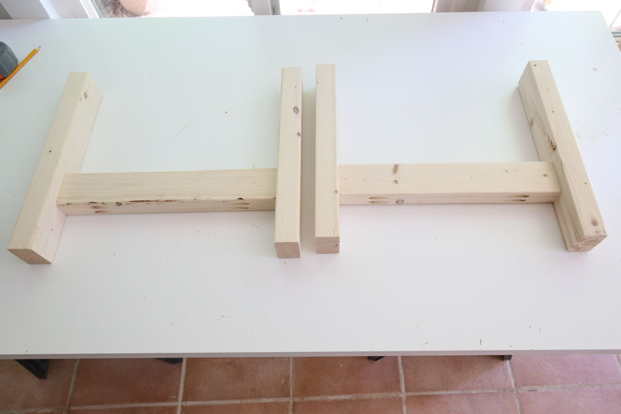 Assemble DIY coffee table legs