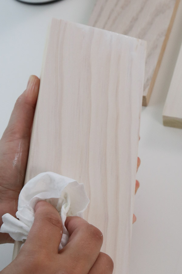 how to whitewash wood with paint, water, and rag