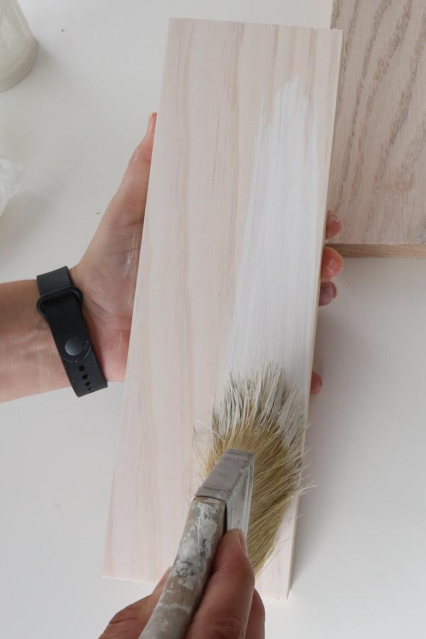 how to whitewash pine wood with paintbrush