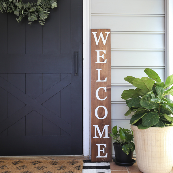 wood DIY welcome sign