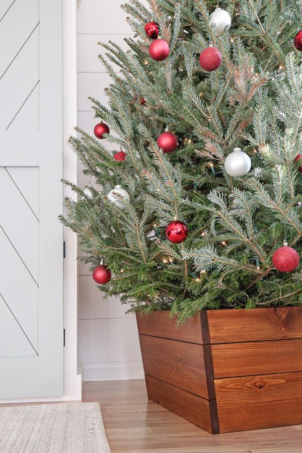 wood diy christmas tree collar
