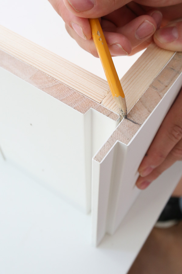 how to custom cut shiplap for back corner of dog bed
