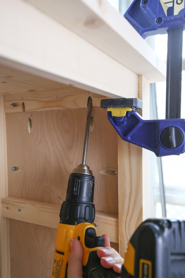 attach top of DIY kids bookshelf with kreg screws