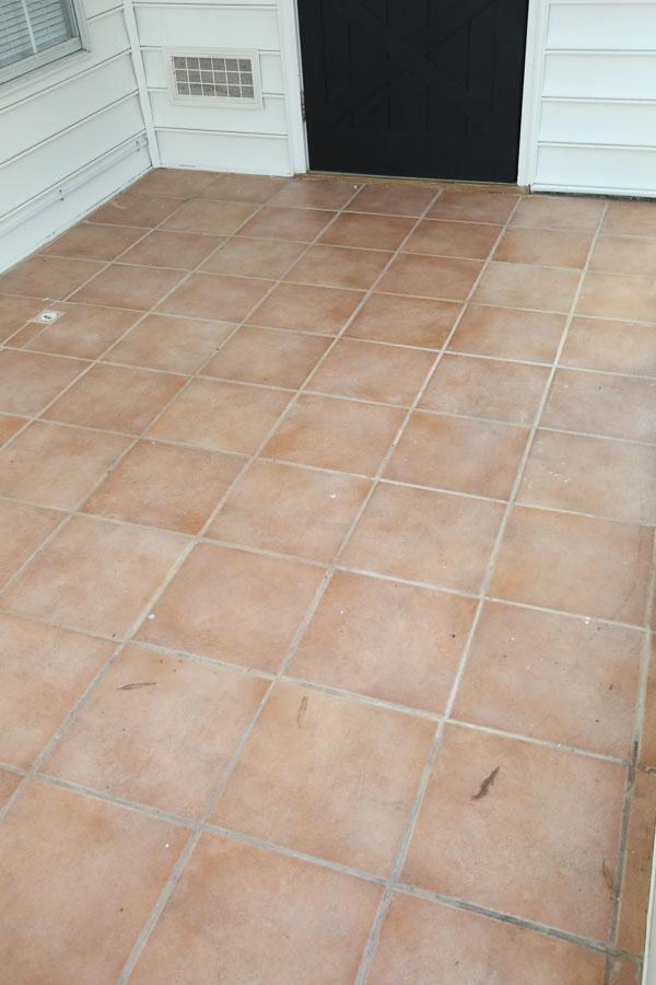 Old pInk ceramic floor tiles BEFORE painting