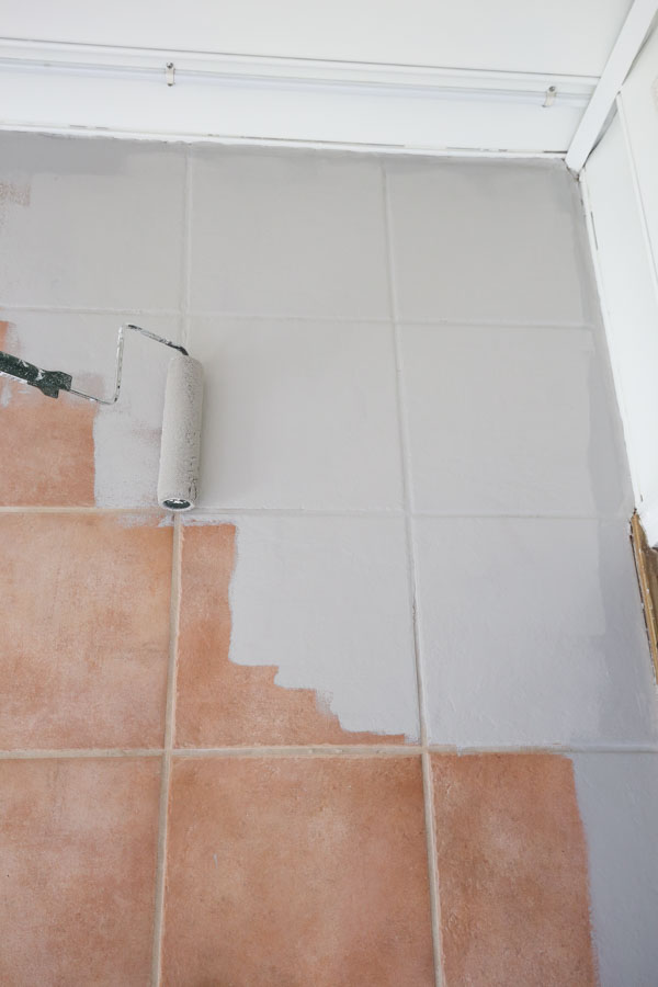 how to paint ceramic floor tile with a paint roller