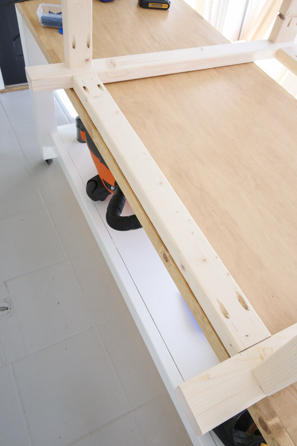 attaching back of potting bench frame
