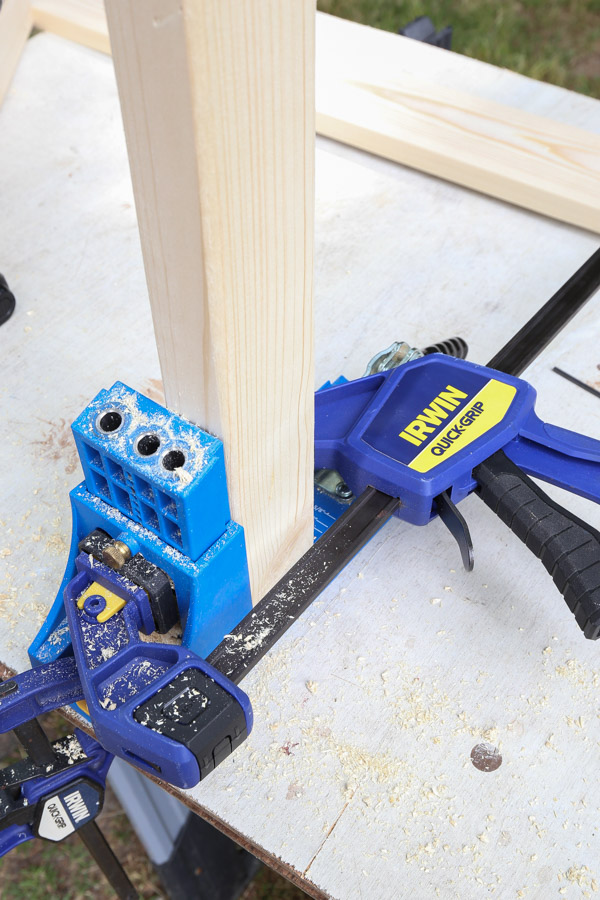 add pocket holes with Kreg Jig to 2x3 side