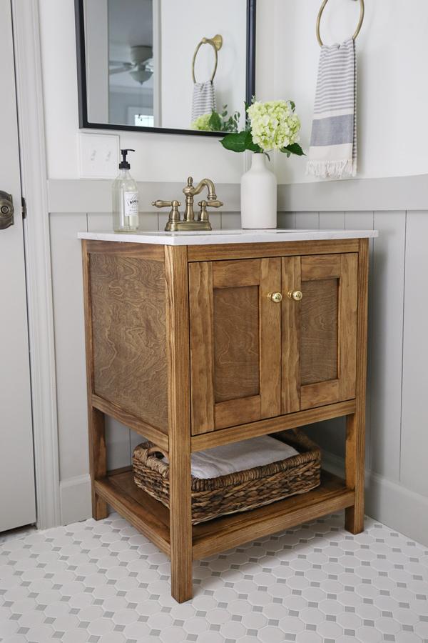 how to build a DIY small bathroom vanity