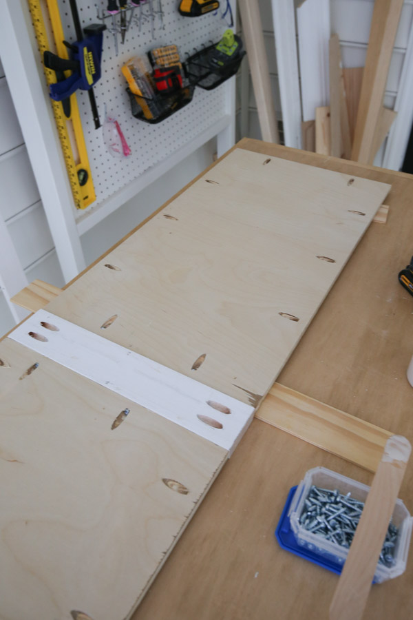attaching cabinet door together with wood glue and Kreg screws