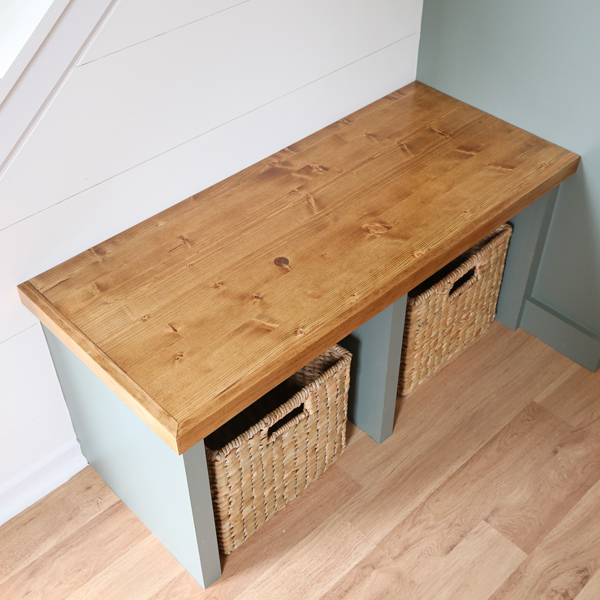 how to apply polyurethane to wood bench top